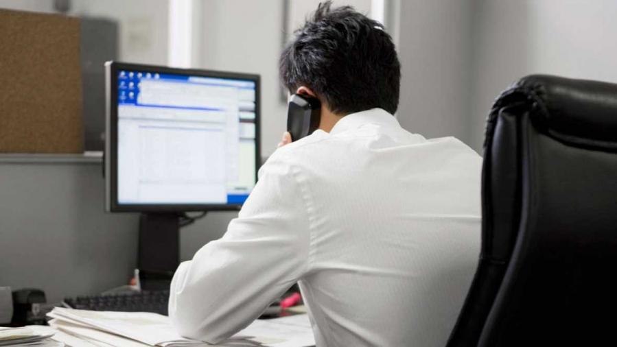 ¿Puede la empresa leer los mails personales de los empleados, enviados desde el trabajo?
